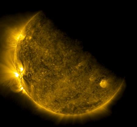 Der Mond über der Erde – gesehen von Elektro-L | Skyweek Zwei Punkt Null
