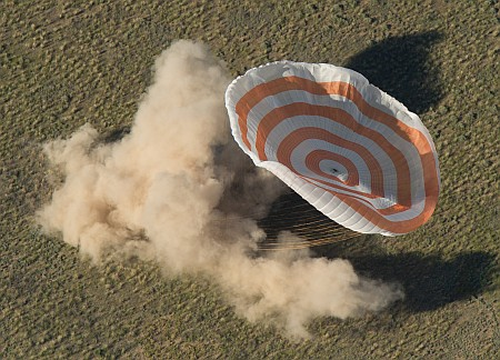 Expedition 35 Landing