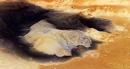 BequerelCrater_3d3_l