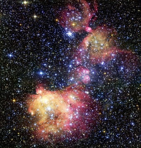 The glowing gas cloud LHA 120-N55 in the Large Magellanic Cloud
