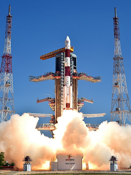 pslv-c34takeoff-view4